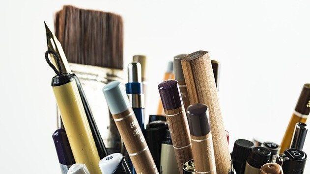 pens-1867899_640.jpg